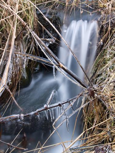 Bilde av elv som holder på å fryse - 15 sekund eksponering